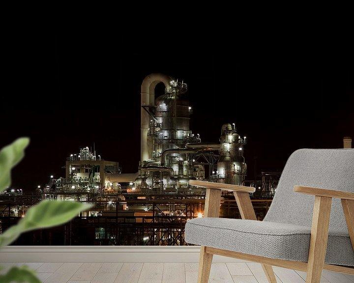 Sfeerimpressie behang: Petrochemie in de nacht van Guido Akster