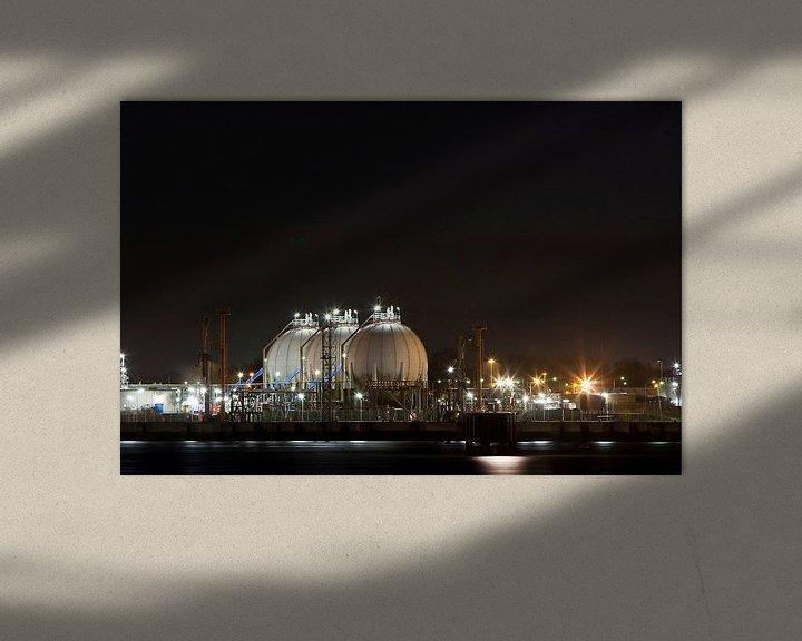 Sfeerimpressie: Nachtelijke industrie in de Haven van Guido Akster