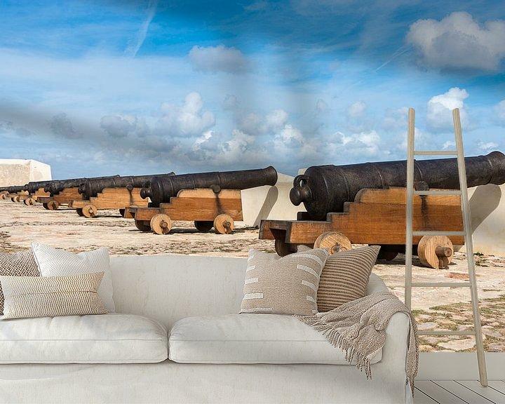 Impression: old rusty cannons on walls at Sagres Portugal sur ChrisWillemsen