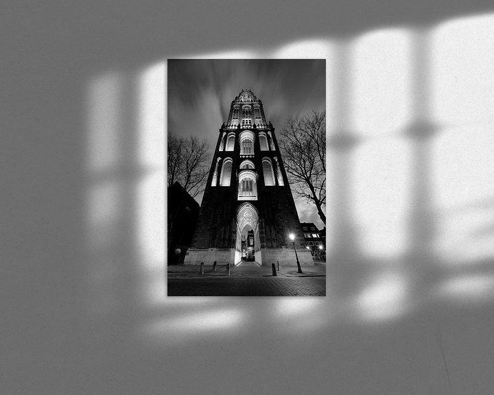 Sfeerimpressie: Domtoren in Utrecht gezien vanaf het Domplein, ZWART-WIT van Donker Utrecht