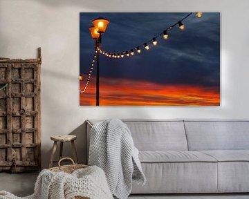 Lantaarnpaal met lichtslang van Rinke Velds