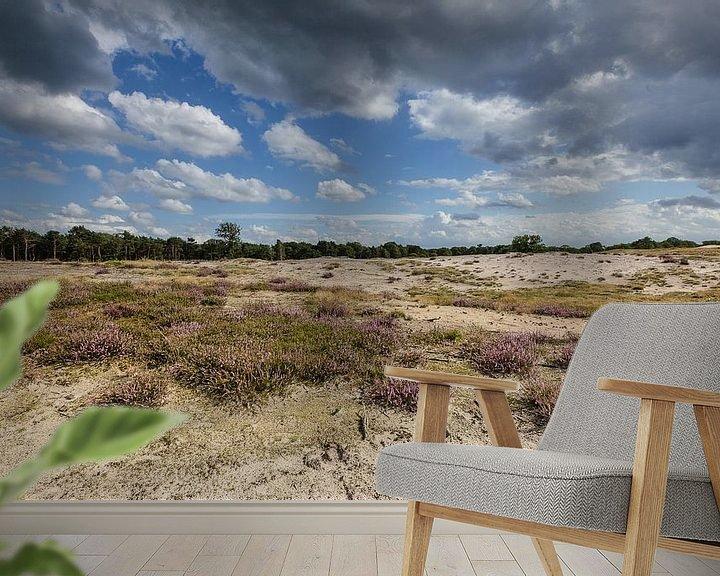 Sfeerimpressie behang: Heideveld met wolkenlucht van Martin Stevens