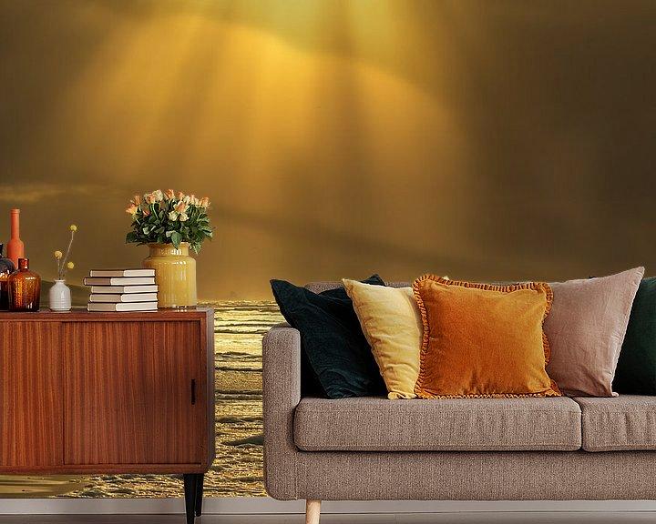 Sfeerimpressie behang: Golden seascape van Ilya Korzelius
