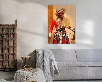Medicijnman in Benin van Cora Unk