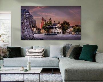 Vrijthof Maastricht tijdens zonsopkomst van Geert Bollen