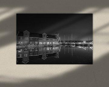 Reitdiephaven Groningen bij nacht, zwart wit von Han Kedde