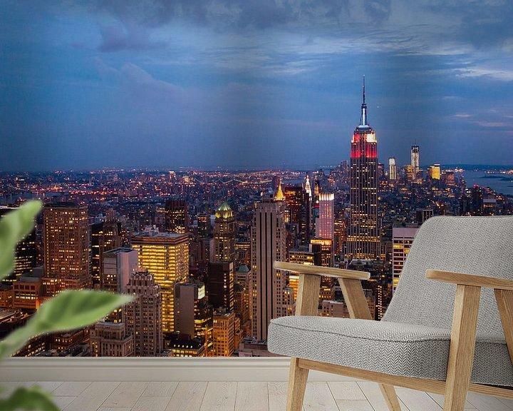 Sfeerimpressie behang: New York by Night. van Laura Vink