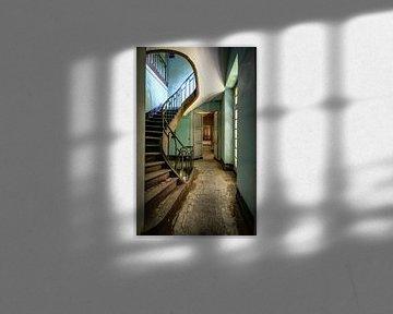 stairs to nowhere von Anya Lobers