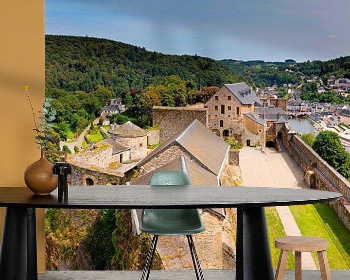 Sfeerimpressie behang: Panorama kasteel van Bouillon in België van Anton de Zeeuw
