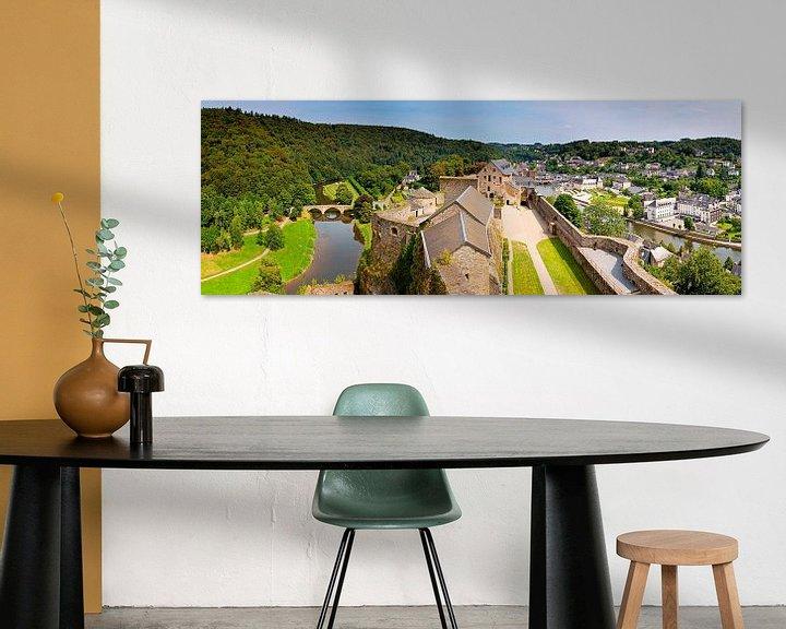 Sfeerimpressie: Panorama kasteel van Bouillon in België van Anton de Zeeuw