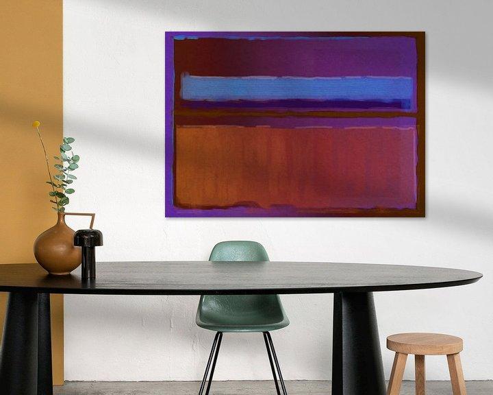 Sfeerimpressie: Abstract schilderij paars, blauw en oranje van Rietje Bulthuis