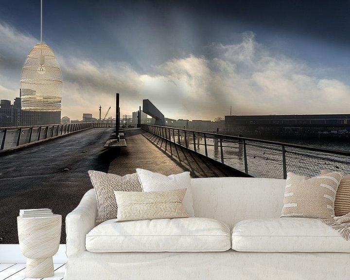 Sfeerimpressie behang: Rotterdam Rijnhavenbrug in de mist van Rob van der Teen