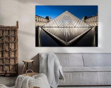 The Louvre Pyramid van Scott McQuaide