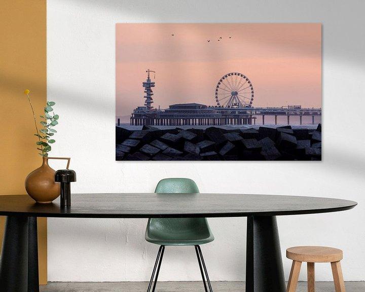 Sfeerimpressie: Pretpier van Scheveningen tijdens zonsopkomst van Remco Van Daalen