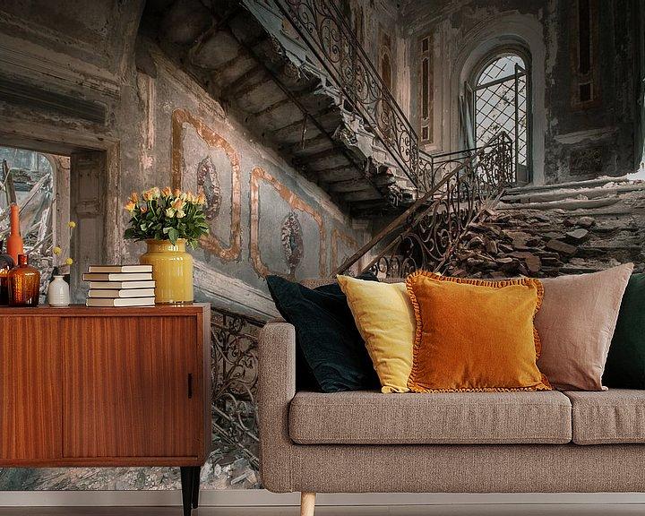 Sfeerimpressie behang: Stairs of decay van Olivier Photography