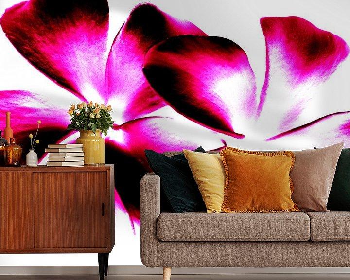 Sfeerimpressie behang: Purple Twins van Ernst van Voorst