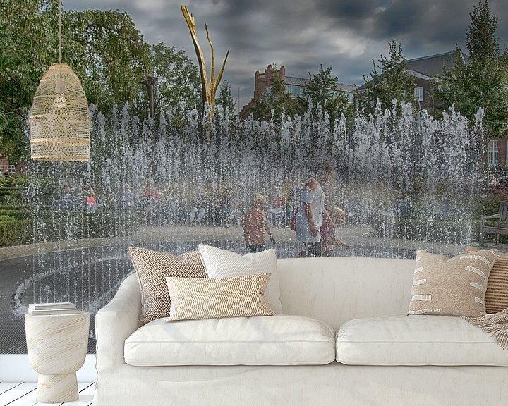 Sfeerimpressie behang: Fontein met spelende kinderen van Foto Amsterdam / Peter Bartelings