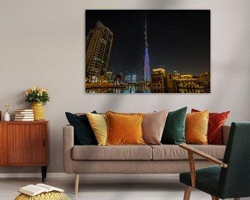 Dubai bij nacht 8 van Peter Korevaar
