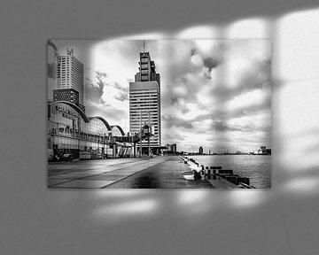 Cruise terminal Rotterdam Wilhelminapier Zwart wit  van Midi010 Fotografie