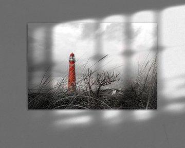 Vuurtoren (Noordertoren) Schiermonnikoog achter het duingras (Rood) von Bert Broer