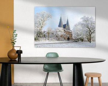 Cellebroederspoort in Kampen in Overijssel tijdens een mooie de winterdag van Sjoerd van der Wal