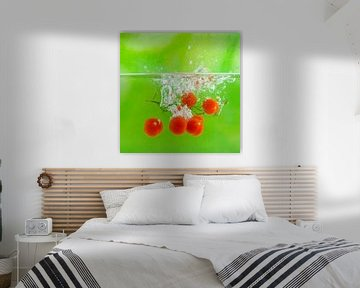 Splash de tomates-cerises sur Henny Brouwers