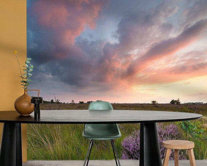 Sfeerimpressie behang: Zonsondergang op de hei van Ron Buist