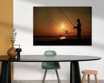 Visser bij zonsondergang aan Punta Sabbioni Italie von Jasper van de Gein Photography