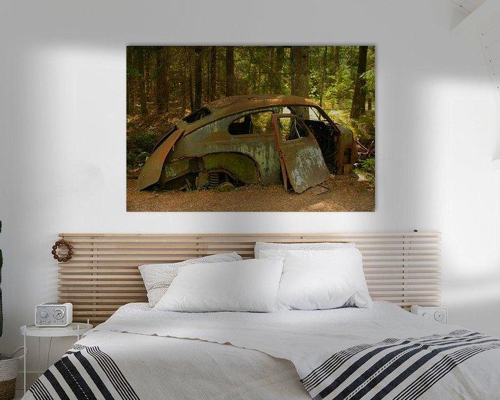 Sfeerimpressie: Oude Volvo Katterug op autokerkhof van Kvinne Fotografie