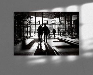 Zwart-wit Centraal Station Rotterdam van Marco Bollaart