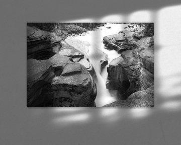 Wasserfall schwarz-weiß von Ineke Huizing