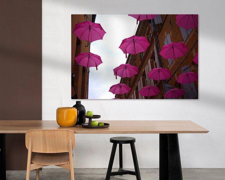 Beispiel: Regenschirme für Kampf gegen Brustkrebs in Albi, Frankreich von Atelier Liesjes