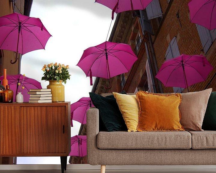 Beispiel fototapete: Regenschirme für Kampf gegen Brustkrebs in Albi, Frankreich von Atelier Liesjes