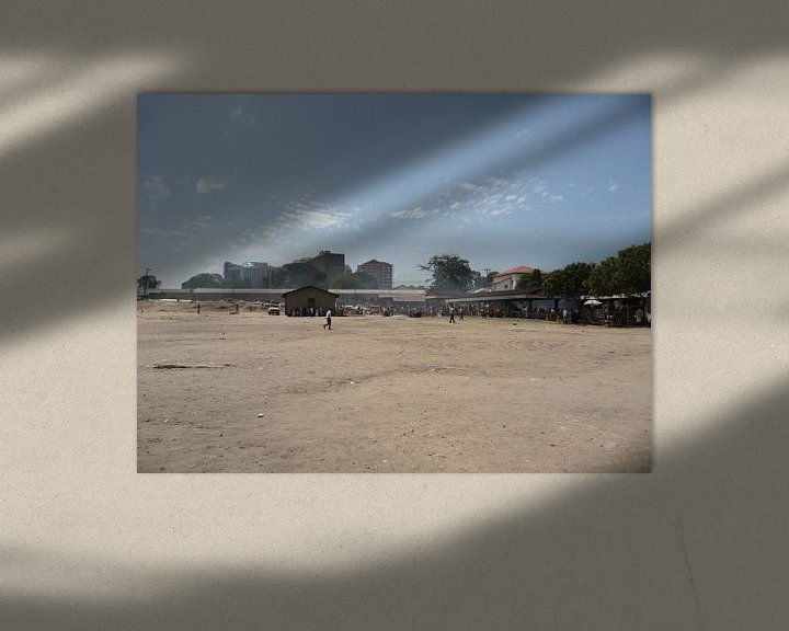 Sfeerimpressie: 'Open veld', Dar es Salaam- Tanzania van Martine Joanne