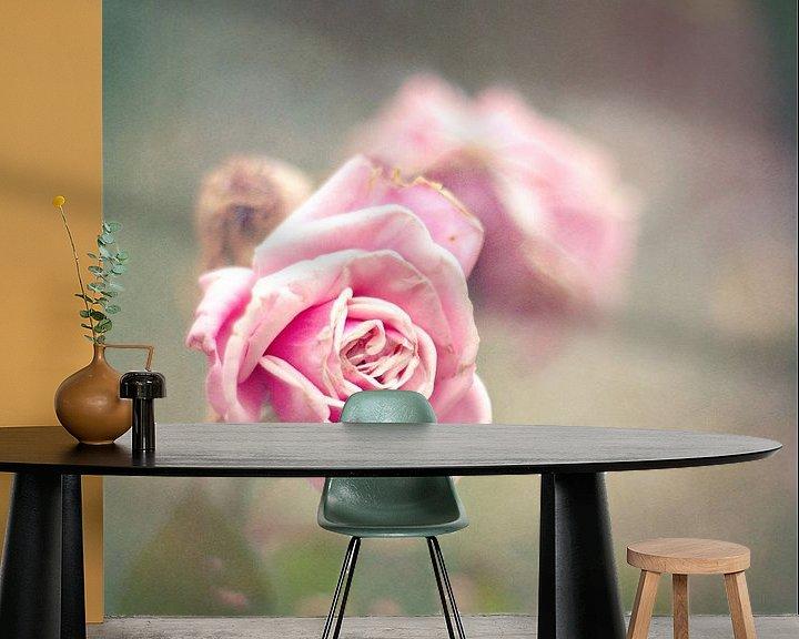 Sfeerimpressie behang: vintage roses van bob van den berg