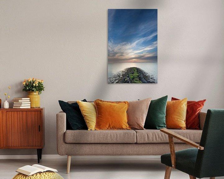 Sfeerimpressie: Sluimerige zonsopkomst in Delfzijl van Ron Buist