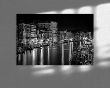 VENEDIG Blick von der Rialtobrücke | Monochrom  von Melanie Viola