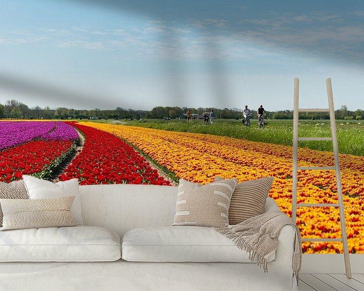 Sfeerimpressie behang: Tulpenveld in Noord-Holland van Keesnan Dogger Fotografie