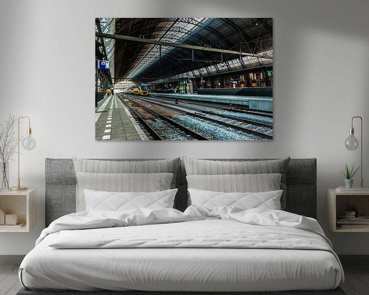 Sfeerimpressie: Centraal Station Amsterdam van Brian Morgan