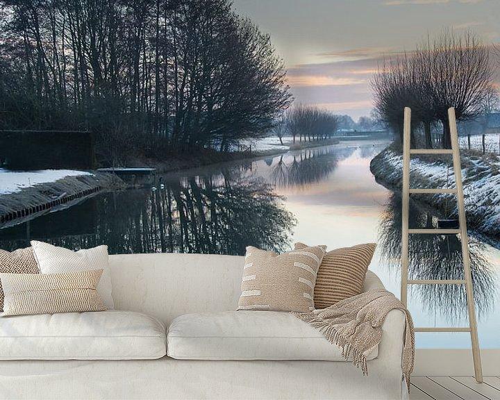 Sfeerimpressie behang: De Linge in winterse sferen van Cynthia Derksen