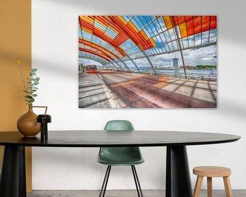 Bus terminal Centraal station Amsterdam van Foto Amsterdam / Peter Bartelings