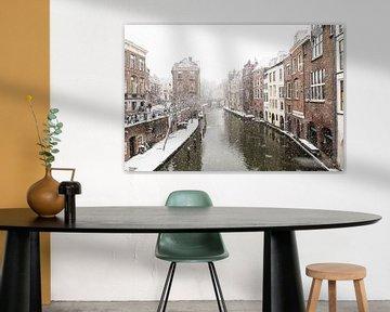 Winter in Utrecht. De Lichte en Donkere Gaard gezien vanaf de Maartensbrug.