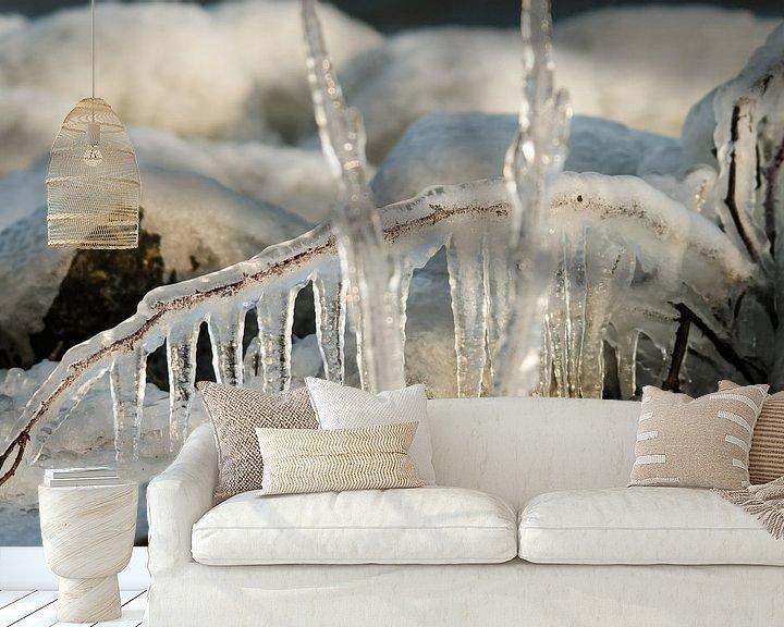 Sfeerimpressie behang: Bevroren takken  van Erik van Riessen