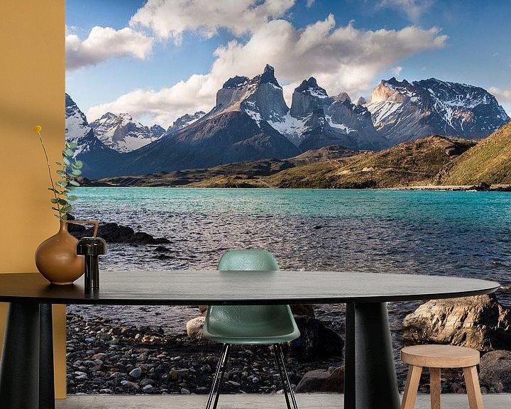 Sfeerimpressie behang: Cuernos del Paine van Claudia van Zanten