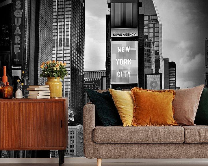 Sfeerimpressie behang: NEW YORK CITY Times Square   Monochroom van Melanie Viola