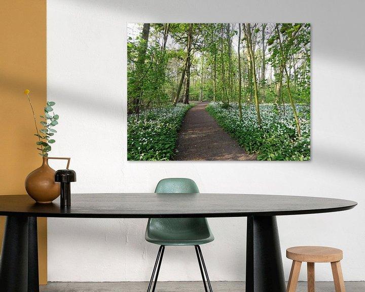 Sfeerimpressie: Lente bospad van Lotte Veldt