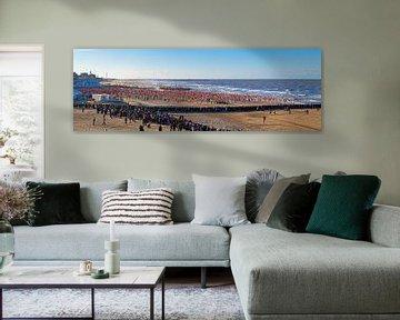 Panorama nieuwjaarsduik Scheveningen