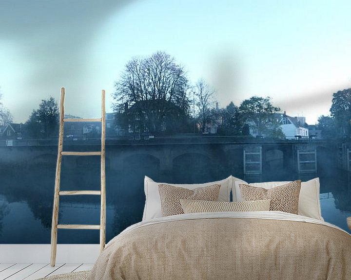 Sfeerimpressie behang: De Zuidwal in ochtendnevel van Jasper van de Gein Photography