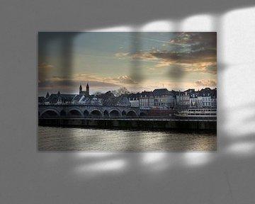 Foto van de Sint-Servaasbrug en Onze-Lieve-Vrouwebasiliek in Maastricht