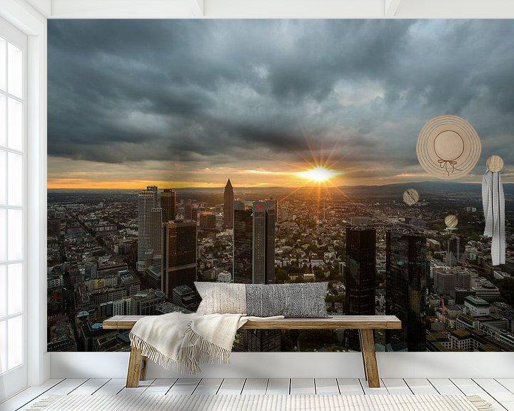 Sfeerimpressie behang: De skyline van Frankfurt tijdens zonsondergang van MS Fotografie | Marc van der Stelt